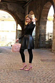 Glitter fashion trend and Outfit glam with pink glitter pumps