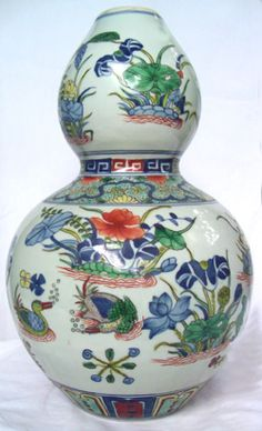 """Chinese """"Double-Gourd"""" Shaped Vase with Ducks - Qing Dynasty, polychrome colors, duck motif amid florals, very nicely formed, 18th century,"""
