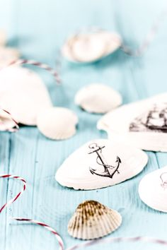 DIY Muscheldeko. Endlich. by http://titatoni.blogspot.de/