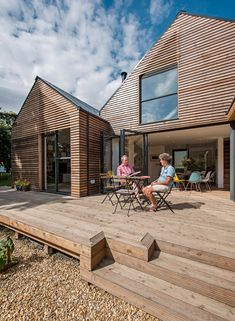 Baca's flood-resilient home beside an Oxfordshire brook Modern wooden house Floating Architecture, Wood Architecture, Residential Architecture, House Cladding, Timber Cladding, Modern Wooden House, Modern Houses, Modern Barn, Wooden Facade