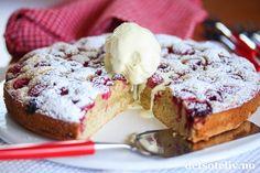 Bringebærkladdkake, av Kristine Ilstad (in Norwegian) Banana Bread, Nom Nom, Cake Recipes, Cooking Recipes, Baking, Desserts, Food, Tailgate Desserts, Deserts
