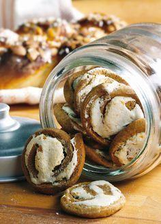 Marenkipiparit | K-Ruoka #keksit #leivonta Christmas Treats, Christmas Baking, Christmas Cookies, Holiday Desserts, Holiday Recipes, Sweet Bakery, Just Eat It, Sweet Pastries, Bakery Cakes