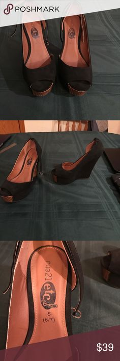 Rue 21 wedges size S 6/7 Used but only worn one time. Rue 21 Shoes Wedges