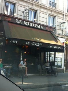 *Le Mistral in Paris, Île-de-France bar?  $
