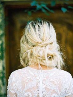 simple messy wedding hairstyles. boho wedding hairstyle