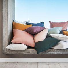 12.7K vind-ik-leuks, 37 reacties - H&M Home (@hm_home) op Instagram: 'The more the merrier! #HMHome #pillowtalk'