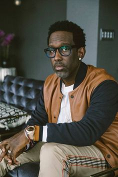 HAPPY 48th BIRTHDAY to SHAWN STOCKMAN!! 9/26/20 American singer, songwriter and record producer, best known as a member of the vocal group Boyz II Men. He was a judge on the television show The Sing-Off.