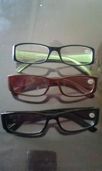 Reading eyeglass v good quality v cute 4 her free ship 4 $9.99 each size 2.500-3.500 newt