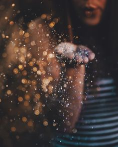 """""""all the glitter and lights, and you still sparkle brighter. Pinned by :-Karan Glitter Photography, Tumblr Photography, Creative Photography, Amazing Photography, Portrait Photography, Fairy Light Photography, Photography Themes, Glitter Fotografie, Glitter Pictures"""