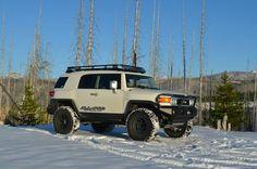 Rack Toyota Fj Cruiser, Toyota Trucks, Toyota 4runner, 4x4 Trucks, Fj Cruiser Mods, Land Cruiser, Best Off Road Vehicles, Overland Truck, Bug Out Vehicle