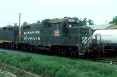 AOK 1050   Description:    Photo Date:  5/4/2002  Location:  Wilburton, OK   Author:  Ronald Estes  Categories:    Locomotives:  AOK 1050(GP10)
