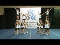 2014 Oklahoma 16-person version - High School STUNT Notre Dame Football, Alabama Football, College Football, American Football, Cheer Pyramids, Cheerleading Pyramids, Cool Cheer Stunts, Cheerleading Videos, Cheers And Chants