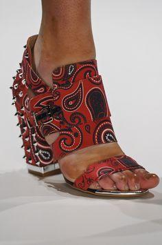 Sapato Colcci. mais acessórios: http://abr.io/2GrE | Fotos Fotosite
