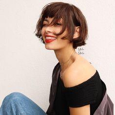▷ 1001 + Short bob hairstyles for women - do not be afraid of haircutting - Haarfrisuren - Haare Short Haircut Styles, Short Bob Hairstyles, Hairstyles With Bangs, Cool Hairstyles, Long Hair Styles, 1930s Hairstyles, Bangs Hairstyle, Hair Bangs, 2015 Hairstyles