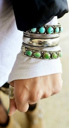 accessorize turquoise and silver via Donna Kahansky Turquoise Jewelry, Silver Jewelry, Silver Ring, Silver Bangles, Silver Earrings, Amethyst Necklace, Chain Jewelry, Fall Jewelry, Jewellery