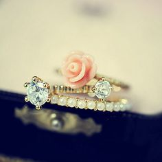 Rose Pearlsecent & Gams Rings Set