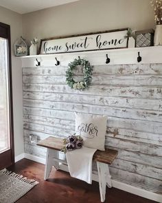 Gorgeous DIY Farmhouse Furniture and Decor Ideas For A Rustic Country Home – DIY & Crafts - Dekoration Ideen Farmhouse Wall Decor, Farmhouse Ideas, Farmhouse Front, Farmhouse Interior, Rustic Wall Decor, Farmhouse Design, Farmhouse Living Room Decor, Farmhouse Style Decorating, Farmhouse Bench