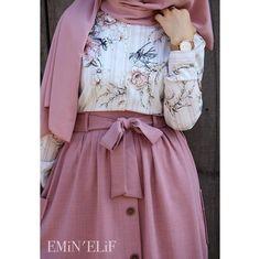 10 Hijab Fashion On ! Hijab Dress Party, Hijab Style Dress, Modest Fashion Hijab, Casual Hijab Outfit, Abaya Fashion, Muslim Fashion, Fashion Dresses, High Street Fashion, Abaya Mode