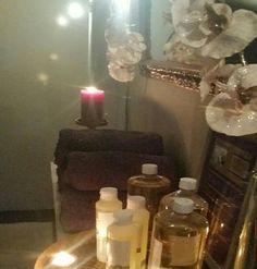 #Glimp van mijn praktijk.  In mijn praktijk Lotus Beauty & Healing maak ik gebruik van natuurlijke oliën met vitamine E afgestemd op uw gemoedstoestand.  U mag voor de massage uw eigen geur uitkiezen. Voor informatie of het maken van een afspraak bel  070 - 743 1795 lotusbeautyenhealing@gmail.com