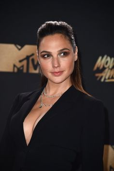 All the Jaw-Dropping Beauty Looks You Need to See From the MTV Movie and TV Awards
