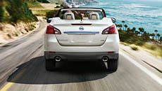 Nissan Murano CrossCabriolet® shown in Pearl White.