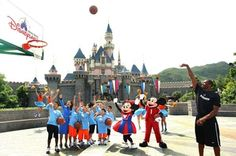 Enjoy the Vacation at Hong Kong Disneyland < Experiences Ladies Market, Hong Kong Disneyland, Italy Vacation, Kobe Bryant, Where To Go, Attraction, Things To Do, Dolores Park, Around The Worlds