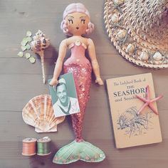 Textile mermaid by Curious Pip. Fabric Dolls, Paper Dolls, Rag Dolls, Pretty Dolls, Cute Dolls, Realistic Mermaid, Mermaid Toys, Sock Toys, Unicorns And Mermaids