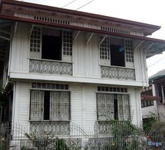 Bahay na Bato Philippine Architecture, Filipino Architecture, Colonial Architecture, Interior Architecture, Interior Design, Filipino House, Bahay Kubo, Philippine Houses, Antique House