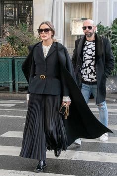 Olivia Palermo is seen on January 17 2019 in Paris France Olivia Palermo Street Style, Olivia Palermo Outfit, Estilo Olivia Palermo, Olivia Palermo Lookbook, I Love Fashion, Fashion 2020, Timeless Fashion, Winter Looks, Hit Girl