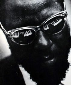 Thelonious Sphere Monk was an American jazz pianist and composer considered one of the giants of American music Jazz Artists, Jazz Musicians, Music Artists, Music Is Life, My Music, Inspirer Les Gens, Francis Wolff, Foto Portrait, Thelonious Monk