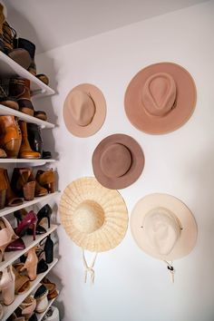 How to store shoes, hats, and bags in a small space Bedroom Doors, Two Bedroom, Small Space Storage, Storage Spaces, Over The Door Organizer, Shoe Wall, Closet Hacks, Small Entry, How To Store Shoes
