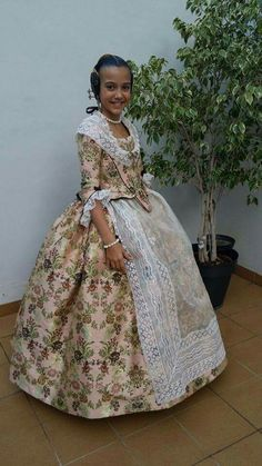 Traditional Fashion, Traditional Dresses, Beautiful Dresses, Nice Dresses, Folk Costume, Dress Making, Doll Clothes, Dressing, Gowns