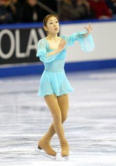 Skating dress: Blue chiffon skirt and floaty sleeves