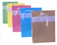 Sacola envelope com bordado 15x21x9 cm