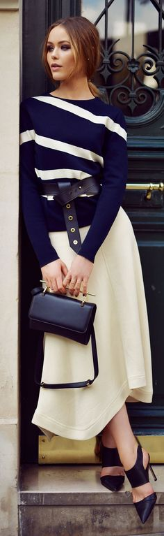 pretty in ivory and navy with M2Matelier bag