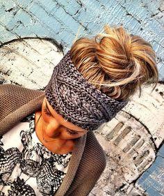 i love a good head band! GREY Crochet Headband - Plain Cable Knit Headband - Gray Ear Warmer Headband head bands Hair Coverings by Three Bird Nest on Etsy my-style My Hairstyle, Cute Hairstyles, Perfect Hairstyle, Headband Hairstyles, Look Fashion, Fashion Beauty, Knit Fashion, Winter Fashion, Fashion Models