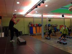 Découvrez la formation de Step pour nos professeurs de Fitness. Pour plus d'informations sur les cours de Step aux Cercles de la Forme à Paris http://www.cerclesdelaforme.com/fr/fitness-step-club-paris/ #step #cdlf #fitness