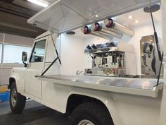 Food Cart Design, Food Truck Design, Coffee Box, Coffee Carts, Coffee Shops, Coffee Drinks, Mobile Cafe, Mobile Shop, Coffee Food Truck