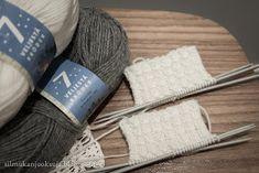 Silmukanjuoksuja: joulukuuta 2015 Knitted Hats, Winter Hats, Knitting, Fashion, Moda, Tricot, Fashion Styles, Breien, Stricken