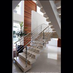 Escada residência JG