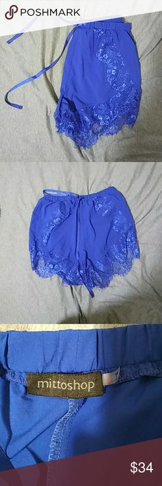 Lace Blue Short Size small. Worn once or twice. Only dry cleaned. Free People Shorts