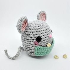 AMIGURUMI MOUSE (ESP. ABAJO) El Ratoncito Pérez or Ratón Pérez (literally translated into English as Perez mouse or Perez the Mouse) is a figure popular in Spanish and Hispanic American cultures, similar to the tooth fairy, originating in Madrid in 1894. When a child loses a tooth it