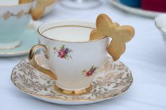 tea cup biscuits to the venue and ask them to serve them with the tea