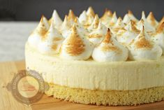 Gateau meringue - Gateau citron - Surprises et Gourmandises - showtime Lemon Meringue Cake, Brookies Recipe, Dessert Cake Recipes, Bread Cake, No Cook Meals, Yummy Cakes, Sweet Recipes, The Best, Cheesecake