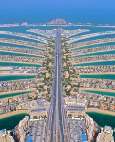Flying high over Dubai! 😎 — Dubai is one of the most incredible modern cities in the world. 🗺 Seen here is the Palm Jumeirah, an artificial… Dubai City, Palmeninsel Dubai, Visit Dubai, Dubai Trip, Palm Jumeirah, Places To Travel, Travel Destinations, Places To Visit, Dubai Travel