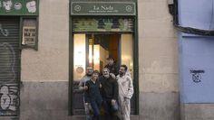«Nadadores» en La Nada http://www.abc.es/cultura/cultural/abci-nadadores-nada-201702090116_noticia.html