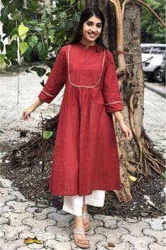 Dress Neck Designs, Kurti Neck Designs, Kurta Designs Women, Kurti Designs Party Wear, Designs For Dresses, Casual Indian Fashion, Indian Fashion Dresses, Indian Designer Outfits, Simple Kurta Designs
