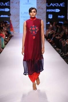 Lakmé Fashion Week – KIRAN UTTAM GHOSH AT LFW SR 2015