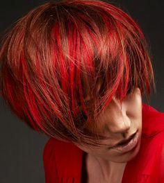 2016 saç kesim modelleri ve renkleri kırmızı röfleli saç modeli