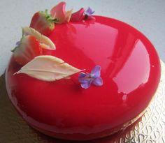 Creative Desserts, Fancy Desserts, Chess Cake, Cake Receipe, Mini Pastries, Mirror Glaze Cake, Modern Cakes, Mousse Cake, Breakfast Cake